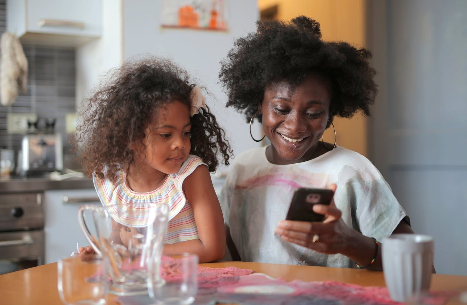 The Top Smartphone Apps for Moms