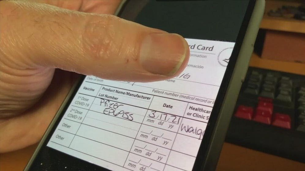 How to Present a Vaccination Card via Mobile Phone